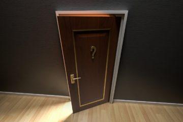 drzwi ze znakiem zapytania